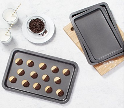 Amazon Basics 3-Piece Baking Sheet Set